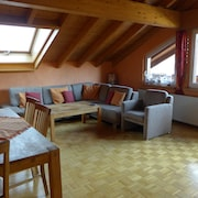 Trade Fair Visitors Cologne / Dusseldorf: Spacious, Quiet Apartment Close to the Forest