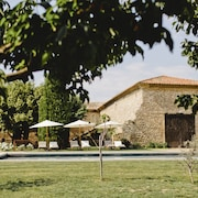 Beautiful Provencal Farmhouse From the 17th Century With Great Pisicne