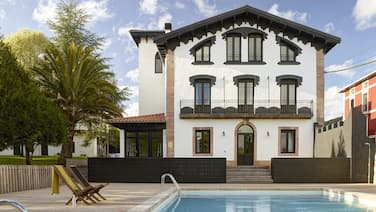 Luxury villa with private pool in the Basque Country
