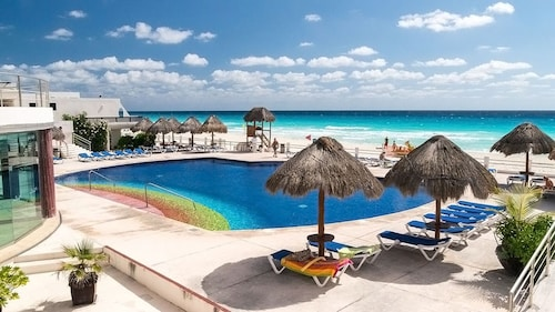 Cancun Beach Penthouse !!! Pools & Jaccuzi