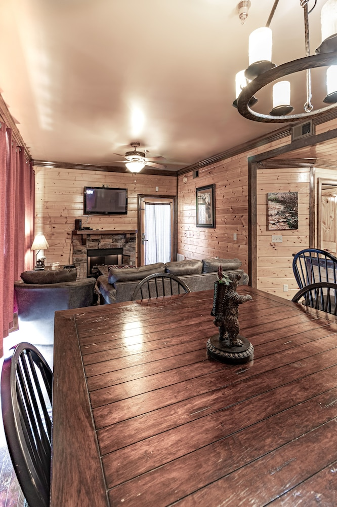 Private Kitchen, Unit 462 is a True Rustic Family Condo/cabin With Washer and Dryer