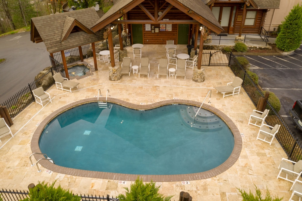 Pool, Unit 462 is a True Rustic Family Condo/cabin With Washer and Dryer