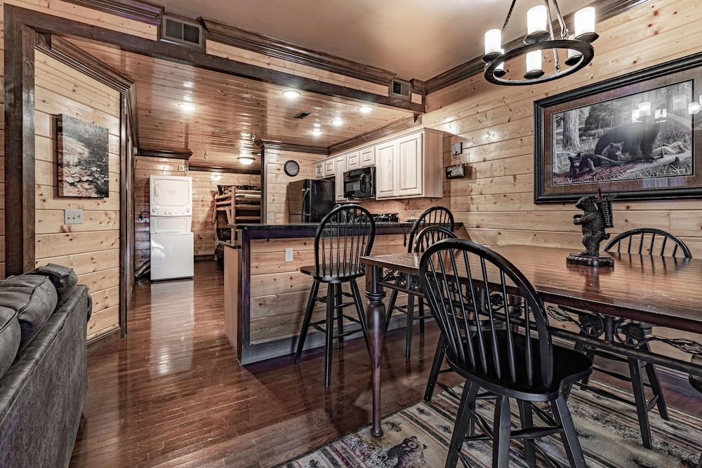 Room, Unit 462 is a True Rustic Family Condo/cabin With Washer and Dryer
