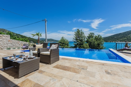 Idyllic Villa By The Sea With Infinity Pool Near Trogir and Split - Croatia