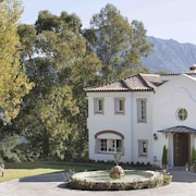 Luxury Country Estate, Family & Pet Friendly