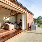 The Stables and Hayloft, a Luxury Romantic Country Holiday Home