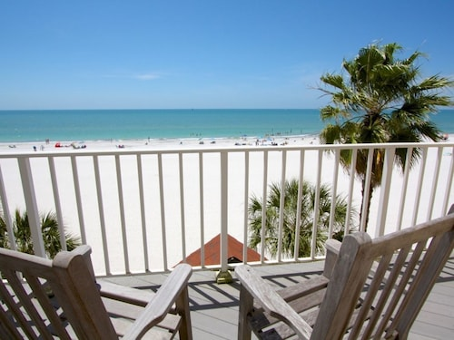 Extra Large Beach Townhome. Directly on the Gulf and Sand. Wonderful Beach Views From Every Room!