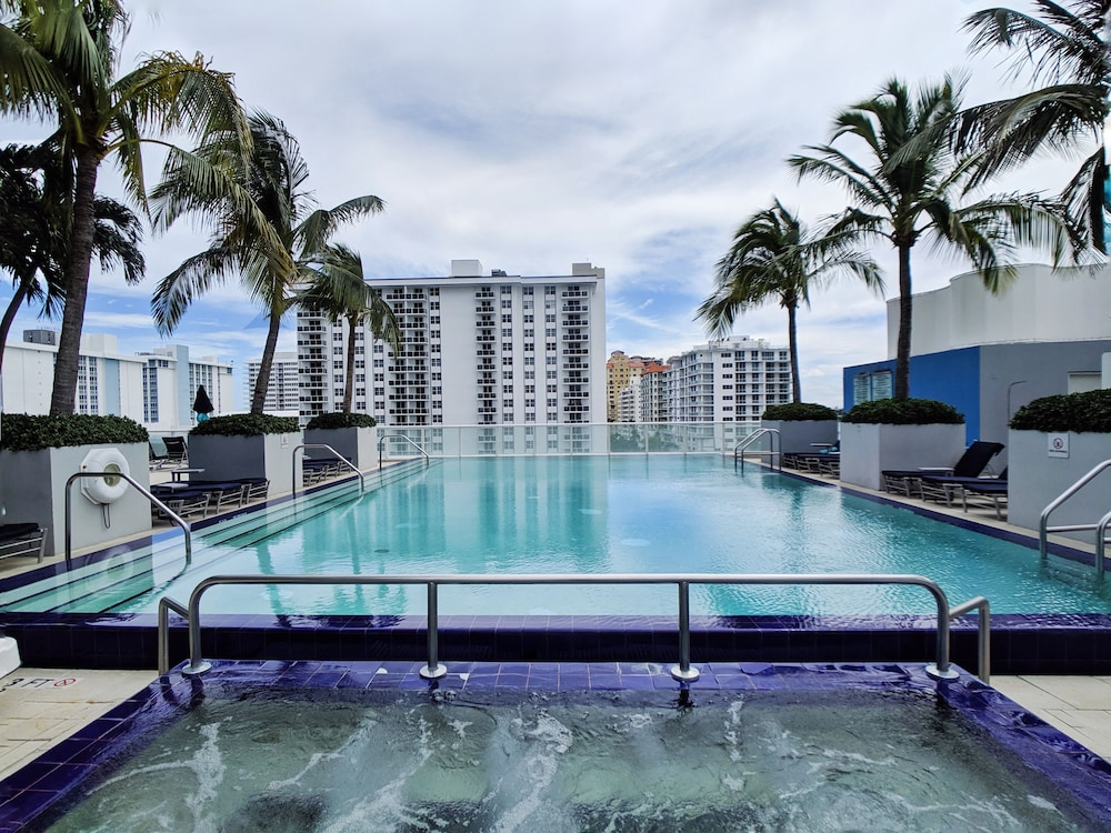 Pool, Modern Luxury Beachfront Hotel 2 Bedroom With Great Views and 3 Balconies 18