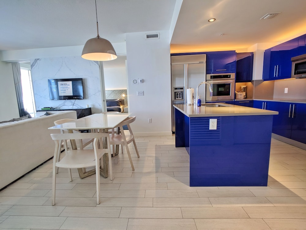 Private Kitchen, Modern Luxury Beachfront Hotel 2 Bedroom With Great Views and 3 Balconies 18