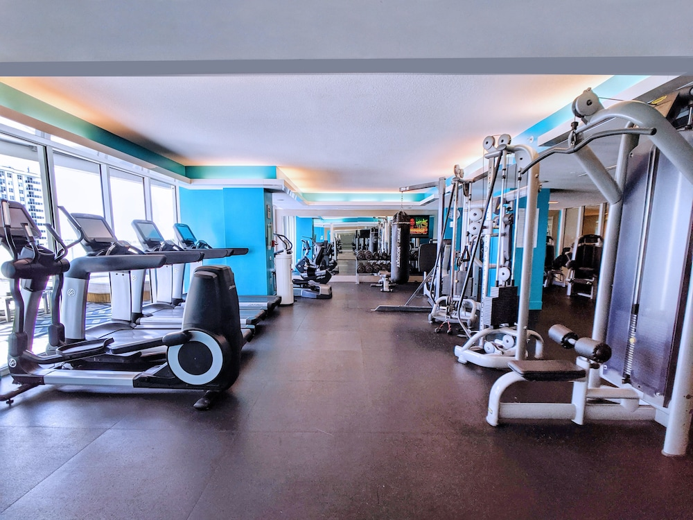 Fitness Facility, Modern Luxury Beachfront Hotel 2 Bedroom With Great Views and 3 Balconies 18