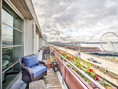 Great Place to stay Perfect Condo for Business in Heart of Downtown! near Seattle