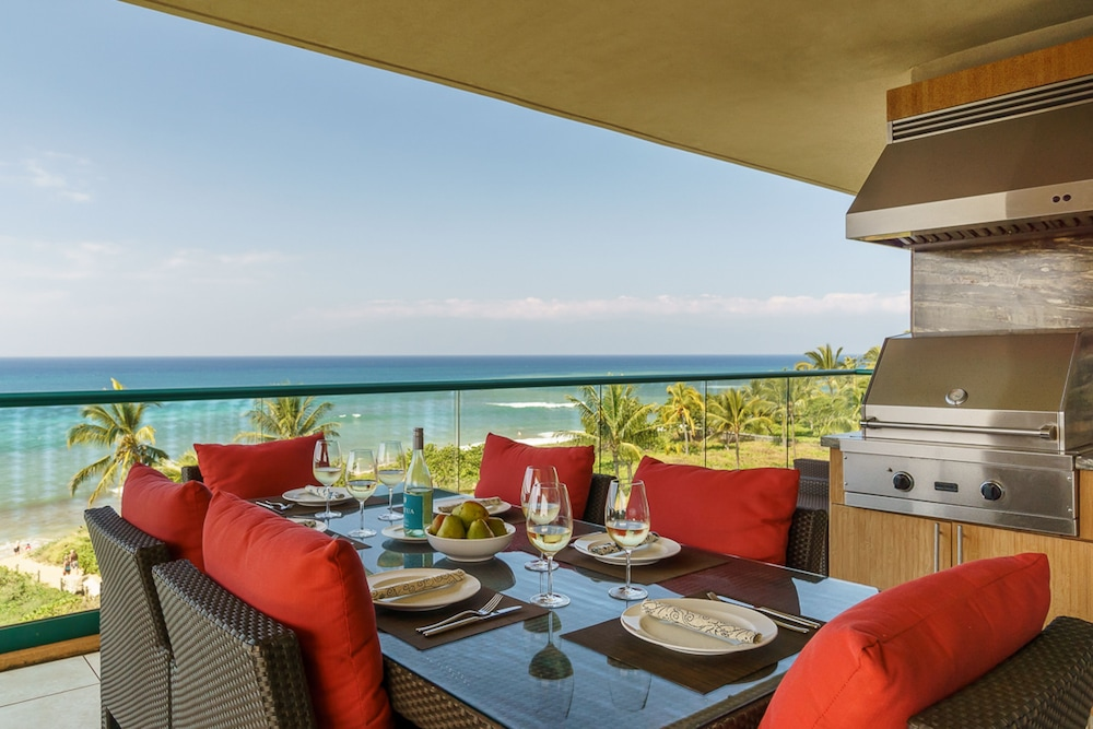 Luxurious, Waterfront Getaway w/ Lanai Kitchen, Resort Pools, & hot ...