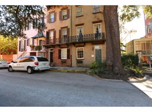 Great Place to stay Stay Local in Savannah: Grand Home Located on Gorgeous Oglethorpe Square near Savannah