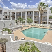 New! 2BR Scottsdale Condo w/ Pool Access & Patio!