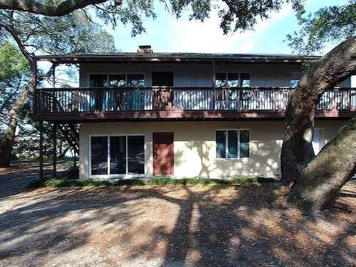 Older Rustic Home on the Intracoastal With Private Dock; Perfect for Fishing