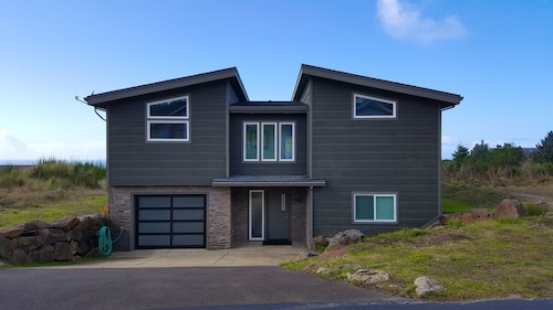 Large, Modern Home With Ocean Views and Just 5 Minutes From the Beach!