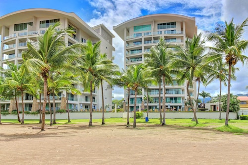 Contemporary Oceanfront Condo w/ a Shared Pool, Beach Access, Walk to Town