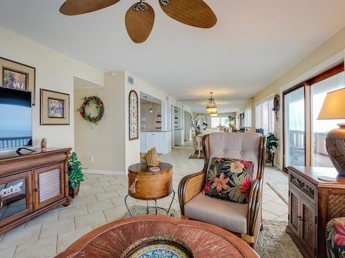 Dog-friendly, Oceanfront Home w/ Beach Access & Great Views - Snowbirds Welcome!