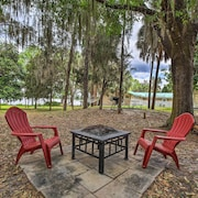 Dunnellon Cottage on Lake Rousseau w/ Boat House!