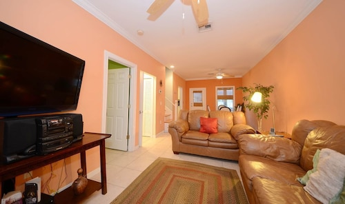 Dog-friendly Home w/ Classic Front Porch - Steps Away From Key West Golf Club!