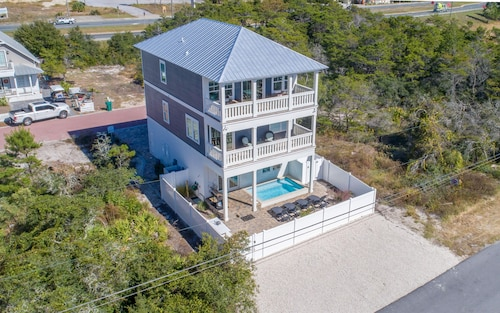 New Inlet Beach Home, Private Pool, Close to Beach, 4 Bikes