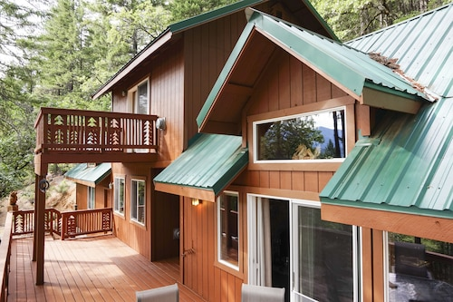 Check Expedia for Availability of Trinity Lake Getaway - Off the Grid, On Trinity Lake!