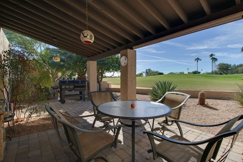 Right on the Golf Course! Enjoy Hiking, Biking, Community Amenities; Heated Pool/spa, Fitness Room!
