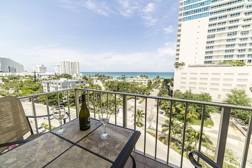 Fort Lauderdale Beach Condo With Ocean View Heated Pool On Intracoastal