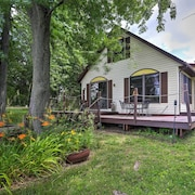 New! Cozy 3BR Coldwater Cottage on Dragon Lake!