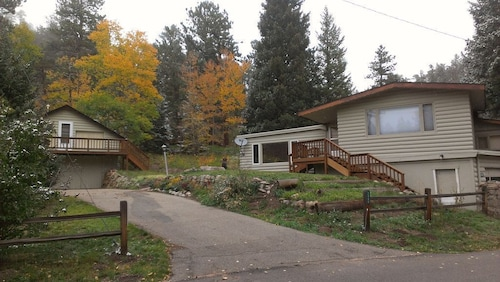 Great Place to stay Enjoy Gorgeous Panoramic Views of the Continental Divide and the Never Summer Range! near Lyons