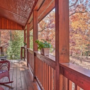Scenic Family Cabin W/porch on Lookout Mountain!