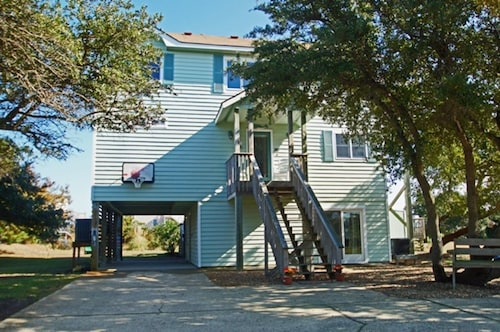 Oceanside- 5 Brs, Elevator, Private Pool, Hot Tub, Pool Table, Dog Friendly