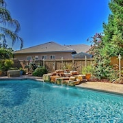 5BR Elk Grove House w/ Private Pool!