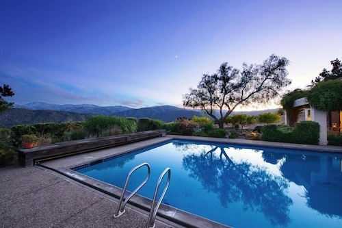 3658 Villa Samana ~ Wine Country Estate With Pool! Stunning Valley Views!