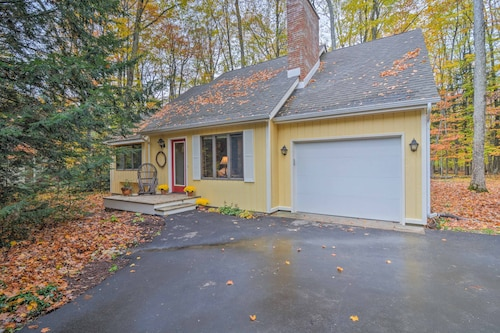New! Harbor Springs Cottage W/nearby Beach Access!