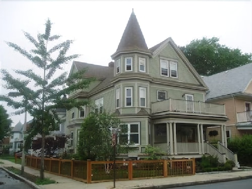 Great Place to stay 2.5 Bedroom 1 Bathroom Condo near Dorchester