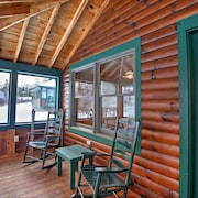 Quintessential 2br Rangeley Lakefront Cabin
