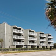 Nightly Rentals at an Oceanside Condo Just Steps From Johnnie Mercers Pier