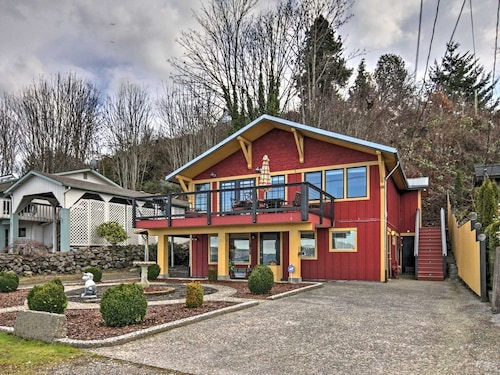 Waterfront Port Orchard Home W Deck Walk To Ferry