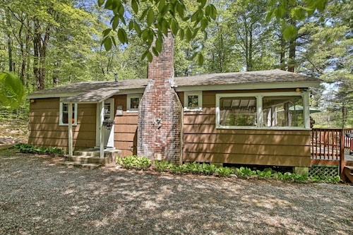 New! Peaceful 2BR Goshen Cabin W/great Deck!