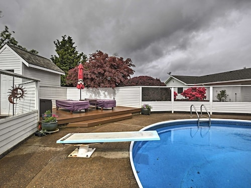 New! 2BR Mcminnville Home W/grilling Patio & Pool!