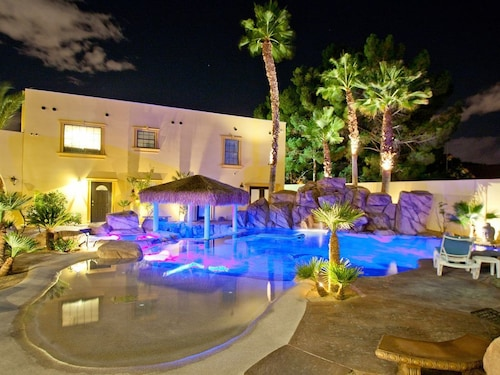 777rentals - The D&D - 2 Pools, Spa, 5 Kitchens, Like the Venetian, Free Wifi