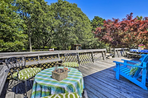 Updated Wellfleet Cottage W/deck by Chipman's Cove