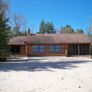 Log Home; K Beds;grand View; Big Sandy Beach, Fireplace, Screened Porch!
