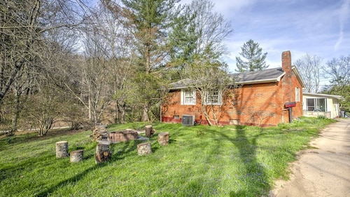 Great Place to stay New! 3BR Campton House w/ Spacious Deck & Yard! near Campton