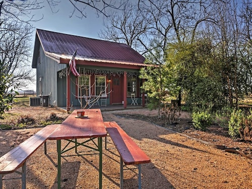 Great Place to stay The Birdhouse - 3 Bedroom Cottage on 6 Acre Pecan Orchard near Maxwell