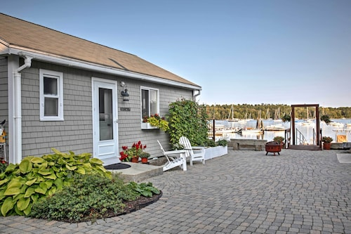 Heron Cottage on Casco Bay W/deck & Dock Access!