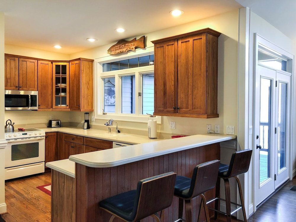 Private Kitchen, Lake Walk - Mr. Lake Lure Vacation Rentals