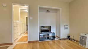 1 Schlafzimmer, Schreibtisch, Bügeleisen/Bügelbrett, kostenloses WLAN
