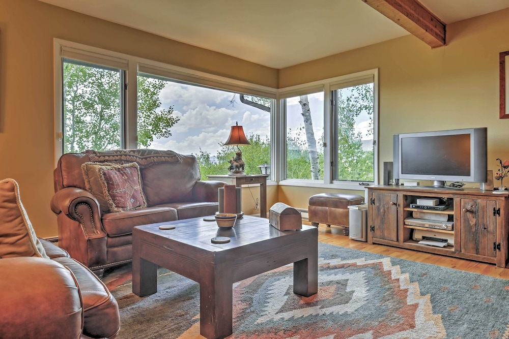 Living Room, Private Steamboat Springs Home W/hot Tub+mtn Views